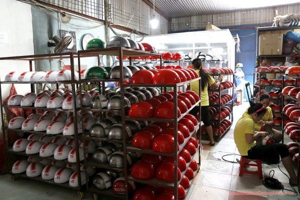 Xưởng sản xuất mũ bảo hiểm ở Gò Vấp